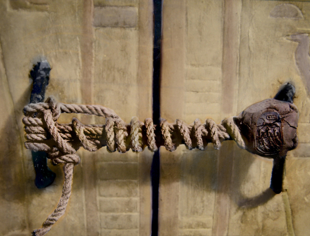 The knot on King Tut's tomb